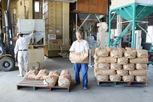収穫後の乾燥と籾摺り